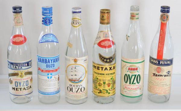 Греческий крепкий алкогольный напиток